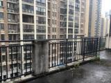 嘉盛华府全新毛坯复式楼,两个阳台,一个大露台