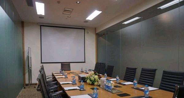 陆家嘴太平金融大厦独立单人办公室4500元/月