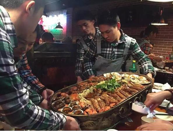 蒸汽海鲜大咖加盟 火锅烧烤烤鱼烤肉一体店 加盟海鲜大排档