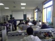 电子科大电工培训班每月开新班,电工老师手把手指导电工实际操作