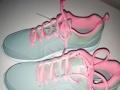 安踏运动鞋系列女跑鞋
