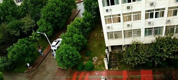三马路东兴中小区两居室出租拎包入住