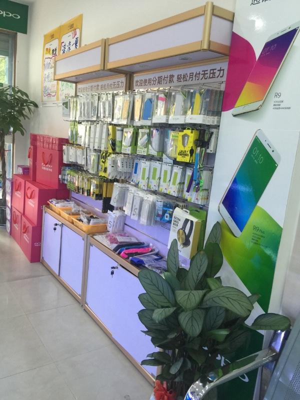 经营各大品牌手机销售,手机快修,回收置换,手机分期等业务