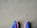 安踏运动鞋穿过一次低价转