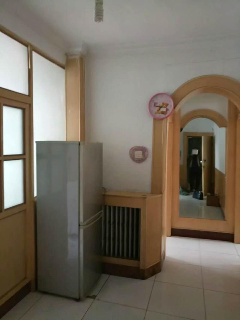 老人民医院东院家属楼出租 2室 1厅 60平米 整租