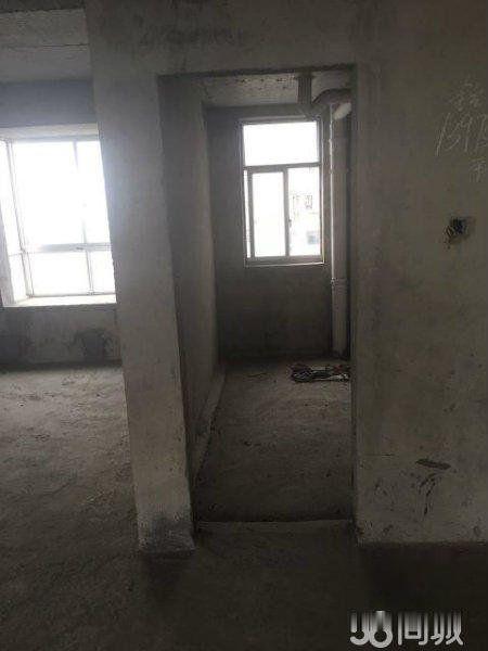 五强溪水木清华 鸿运名苑 电梯毛坯3房 户型周正 南北通