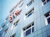 深圳外墙玻璃幕墙清洗 专业福田高空清洗外墙幕墙公司电话