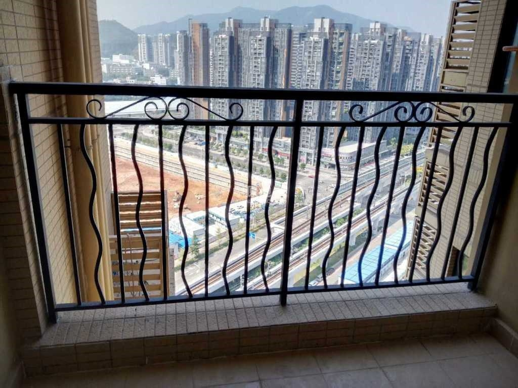中海锦城朝向好小高层18-43层阳光充足