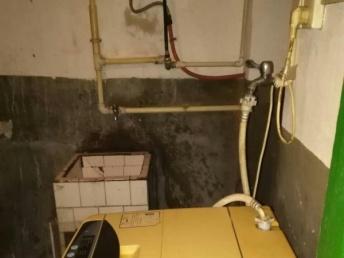 湘乡市湘乡剧院旁边 2室1厅 75平米 简单装修