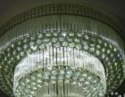 使用不足三个月的四盏水晶灯,最大的直径1米左右