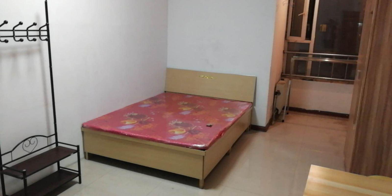 太铁建南住宅小区 800元 1室0厅0卫 普通装修便宜出太铁建南住宅小区