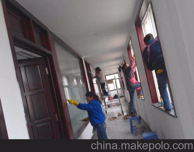 武进区大学城专业瓷砖美缝,家庭日常保洁,油烟机清洗擦玻璃