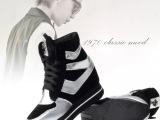 秋冬新款休闲鞋女鞋子厚底坡跟松糕单鞋真皮运动鞋高帮摇摇克罗心