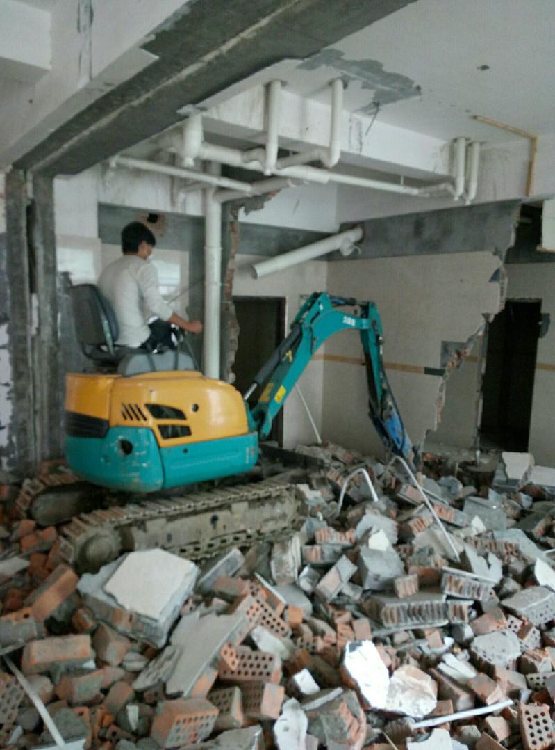 石路园区跨塘新区小挖机出租带破碎价格低
