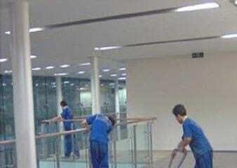 银川晨启家政,专业从事家庭,企事业单位,工程保洁