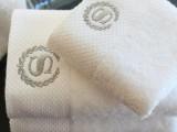 酒店毛巾批发去哪里选择专业酒店布草厂家红金顶江苏布草知名品牌