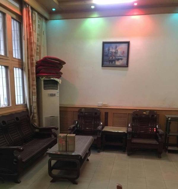 大荔 菁华学校学区 3室 2厅 180平米