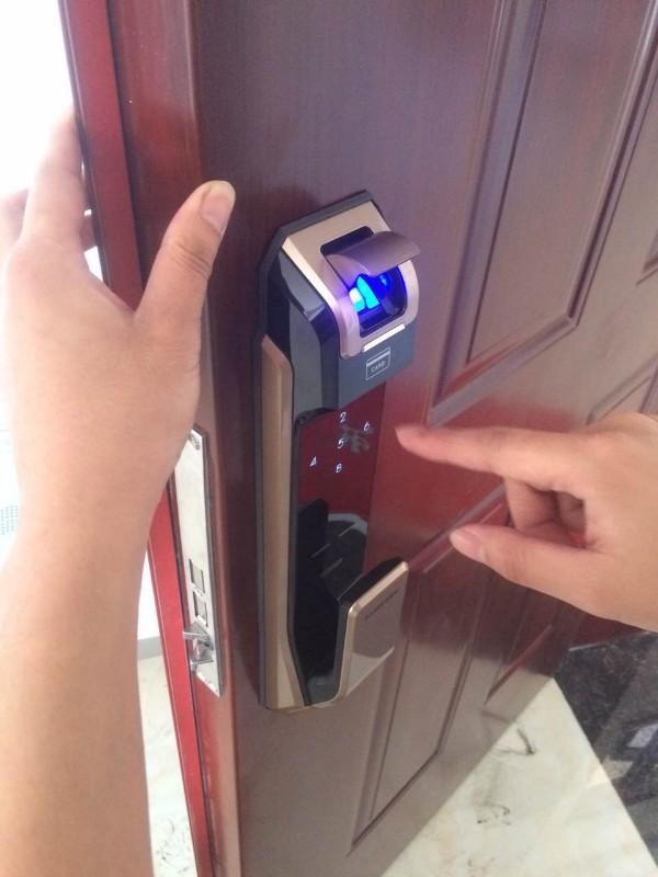 厦门开锁换锁芯,配汽车钥匙遥控器,开保险柜,保险箱密码锁