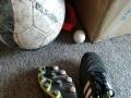 挂靴了。出一双阿迪足球鞋