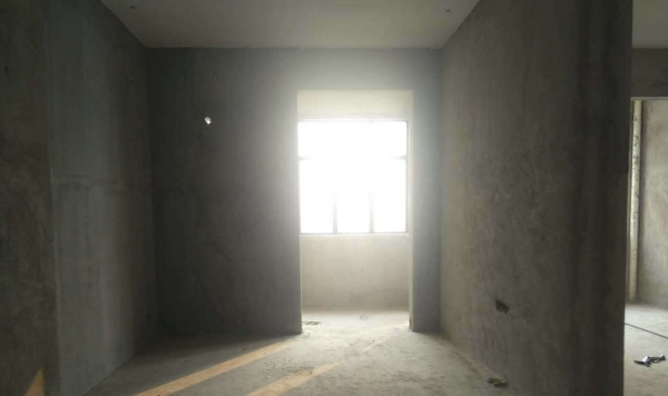 清城广盈峯荟 3室2厅 90平米 毛坯 押二付一