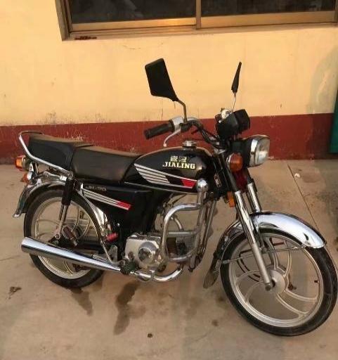 极品嘉陵70摩托车