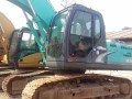 神钢200 210 SK260 350等挖掘机低价出售
