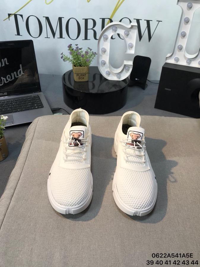 请各位揭晓下莆田鞋哪里有,高级的进货多少钱一双