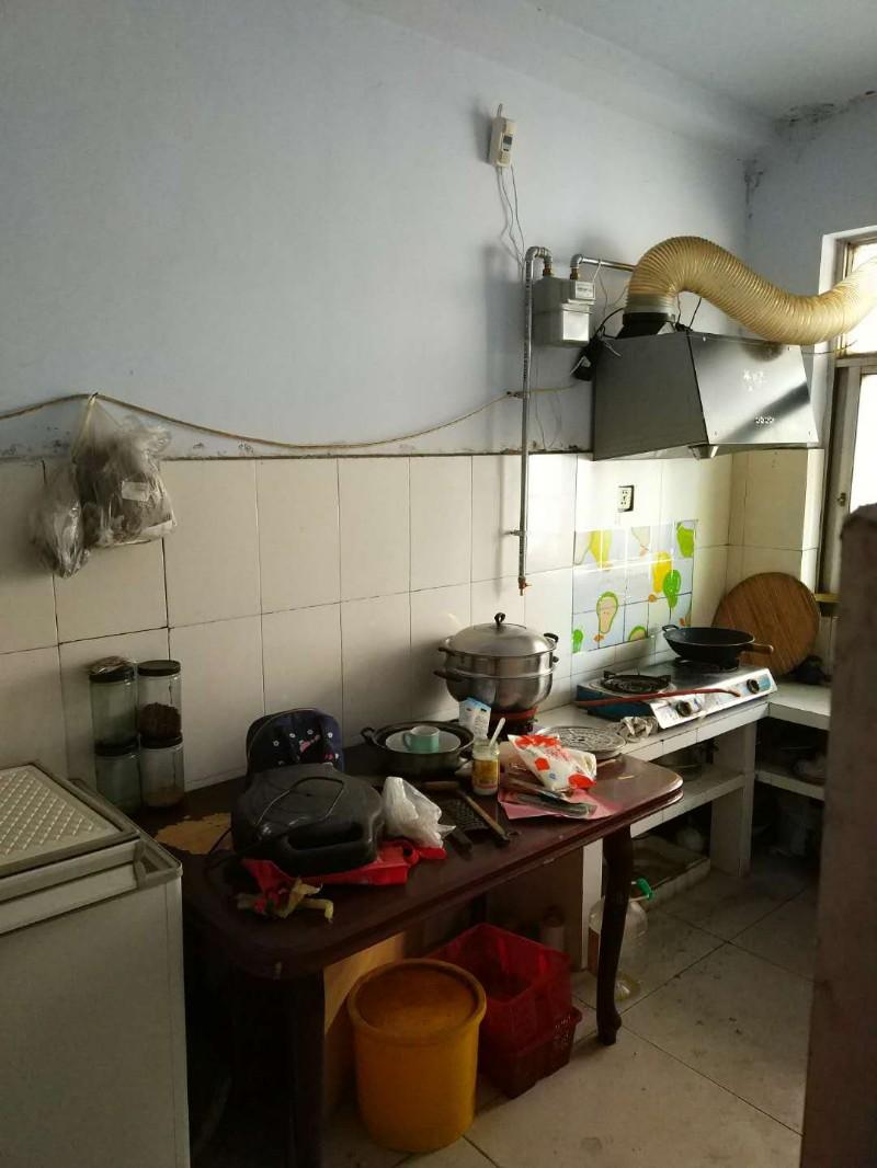 仪兴公司宿舍楼 2室 1厅 65平米 整租