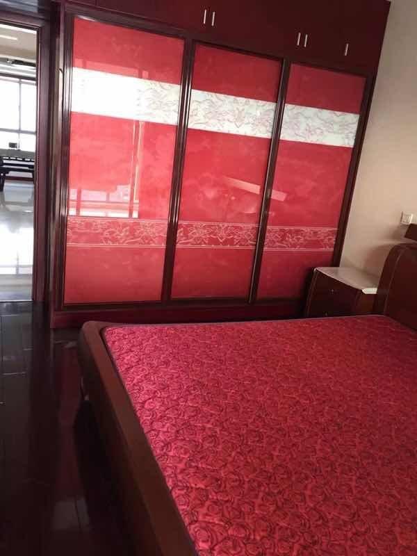 万达旁,地铁口,金鸡花园 3室2厅1卫(个人)金鸡花园