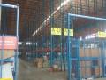 锡山东亭12000平标准物流仓库,仓库中的战斗机