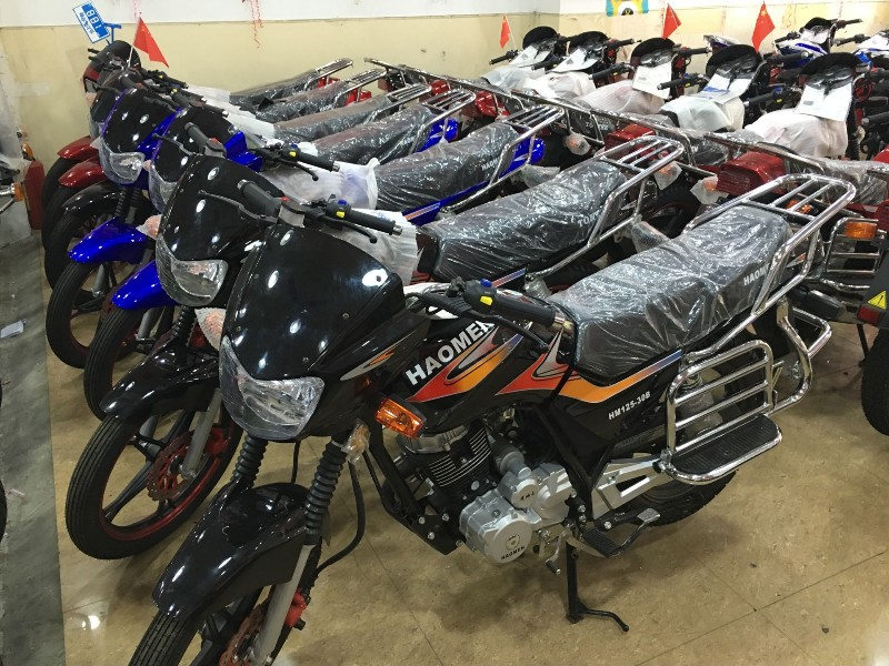 二手摩托车专卖店本田 小公主 铃木王 豪爵太子 赛驰