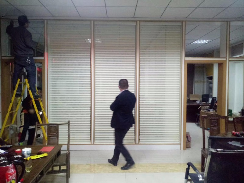 上海静安区定做阳光房遮阳窗帘电动天棚蜂巢帘静安区定做窗帘公司