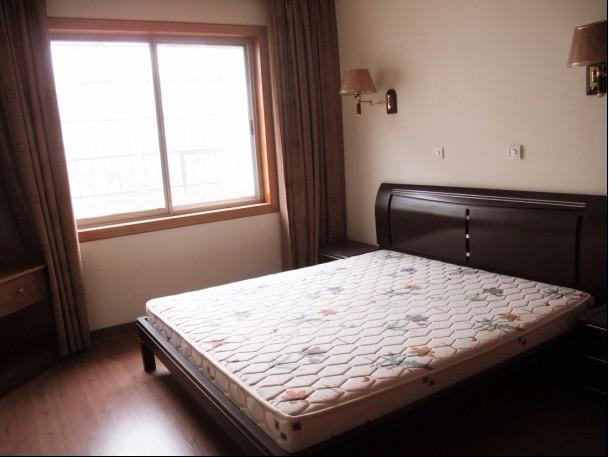 云湖小区 3室 2厅 150平米 整租