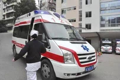 龙岩市私人救护车出租急救车接送转运病人出院回家转院治疗服务