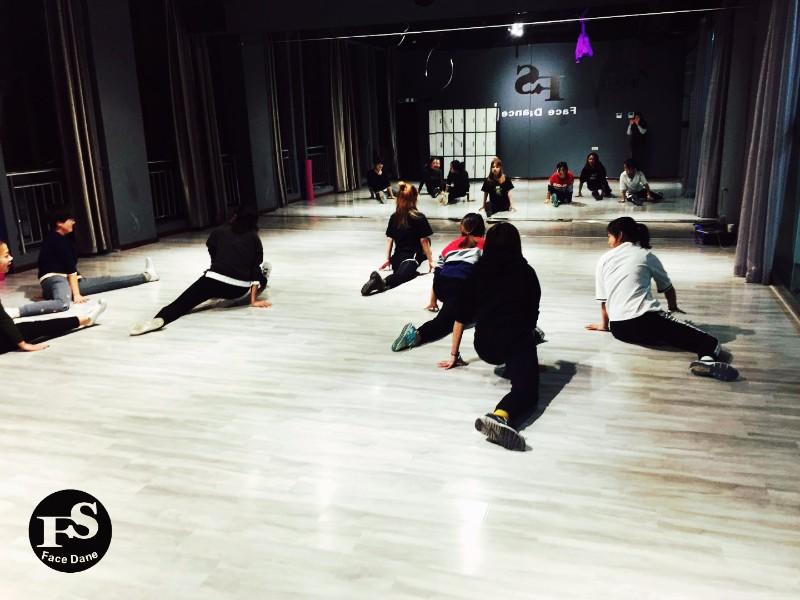 宝鸡费斯舞蹈特色舞蹈培训成人零基础舞蹈