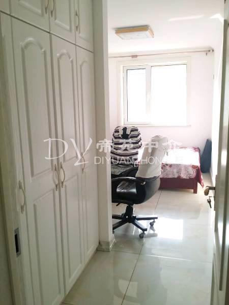 兴龙生态谷 3室2厅2卫 精装修,阳光充足,治安全面!