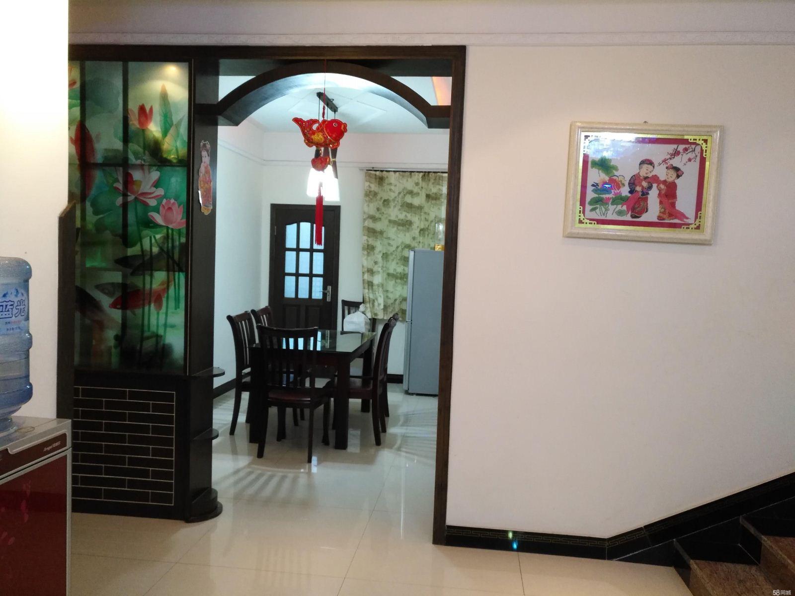 南部阳光花园 3室2厅2卫 137平米