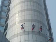 深圳专业高空清洗公司,高空作业多少钱,哪家好