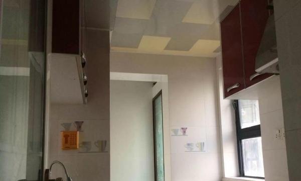 嘉辉豪庭,精装修,两房一厅,居住安静舒适,采光非常好价格可谈