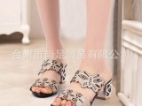 2014夏季新款韩版时尚水钻凉拖鞋粗跟中跟露趾性感镂空女式鞋子