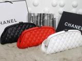 厂家女士品牌包包批发 专柜同款球纹棱格尊贵高贵宴会款手拿包