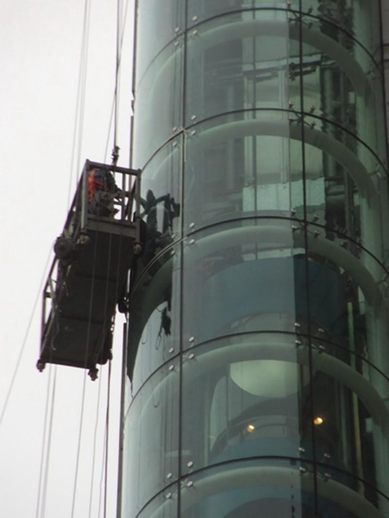 一种玻璃幕墙雨棚安装结构的制作方法_X技术