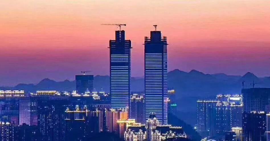 60万急售双子塔旁M区E3户型90平3室2厅2卫精装修关