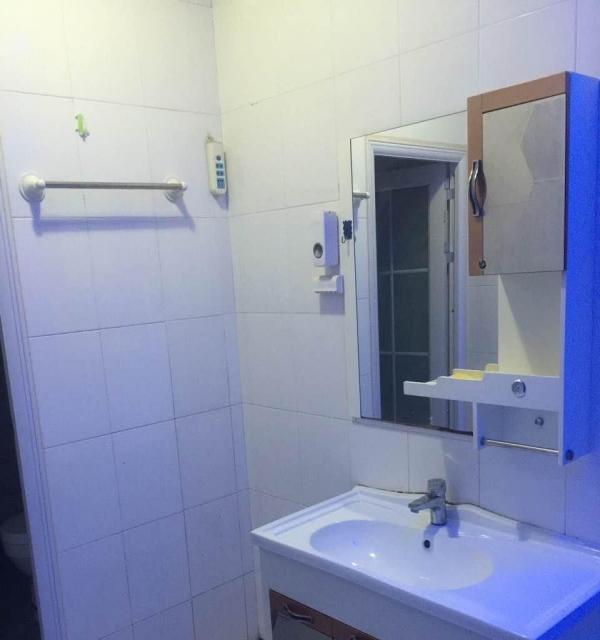 河口区供销佳苑 3室2厅1卫 128平米整体出租