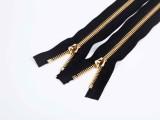 金属拉链厂家的日常使用及保养方法 联掌拉链