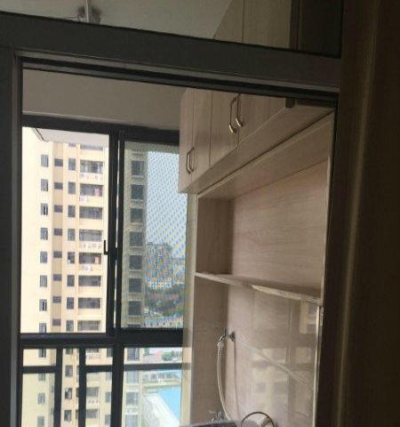 新城国际,毗邻万达,精装两房,家电家具齐全,拎包入住