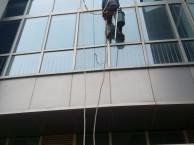 青岛外墙玻璃幕清洗,崂山外墙清洗,大理石清洗城阳高空擦玻璃