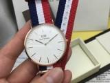 给大家透露一下高仿dw手表多少钱,跟正品一样多少钱