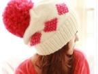 1058 李小璐同款冬季新款风雪护耳方格图案毛球毛线帽子批发 零售