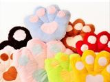 厂家批发供应 创意靠垫 大脚掌抱枕 毛绒玩具熊脚掌 女生情人礼物